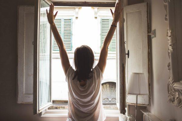 Montaż i sprzedaż nawiewników okiennych Brzesko – naturalna wentylacja w Twoim domu