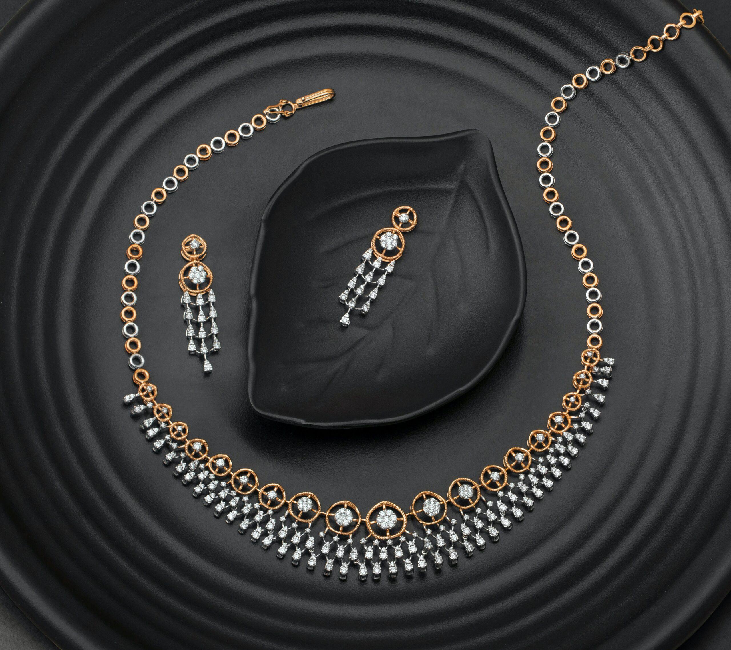 Zestawy biżuterii – kolczyki z cyrkonią